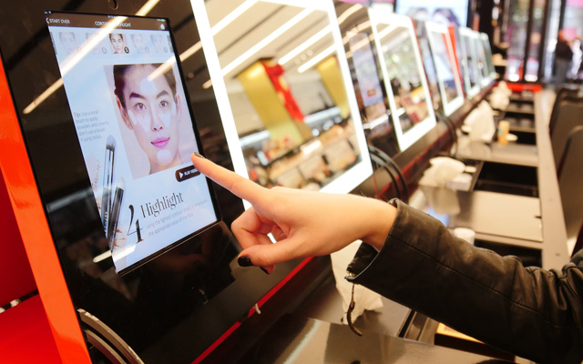 A experiência de compra de maquiagem