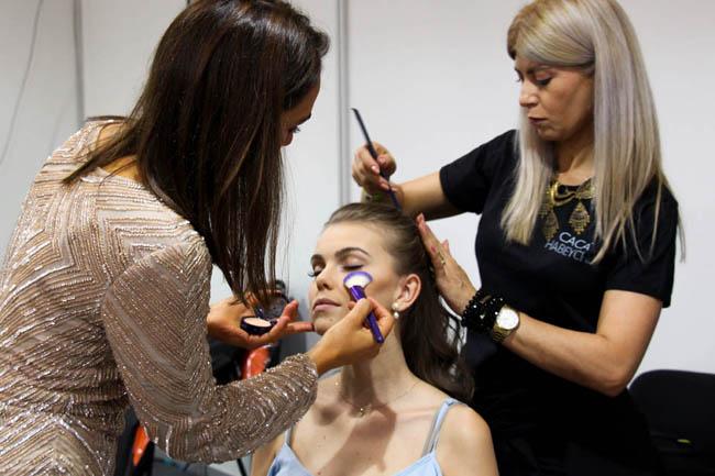 Backstage de beleza e maquiagem