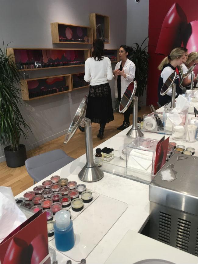 loja/laboratório de customização de batons da marca Bite Beauty