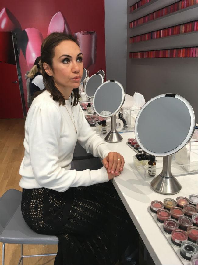 Pesquisando cosméticos personalizados na Bite Lip Lab